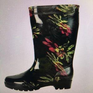 Shoes - NWT wide rain boots/ gators